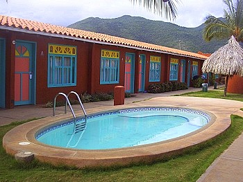 Flamenco Villas Outdoor Whirlpool